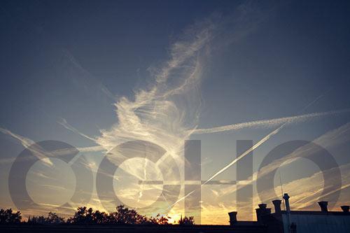 CGHQ-Logo vor Sonnenuntergang